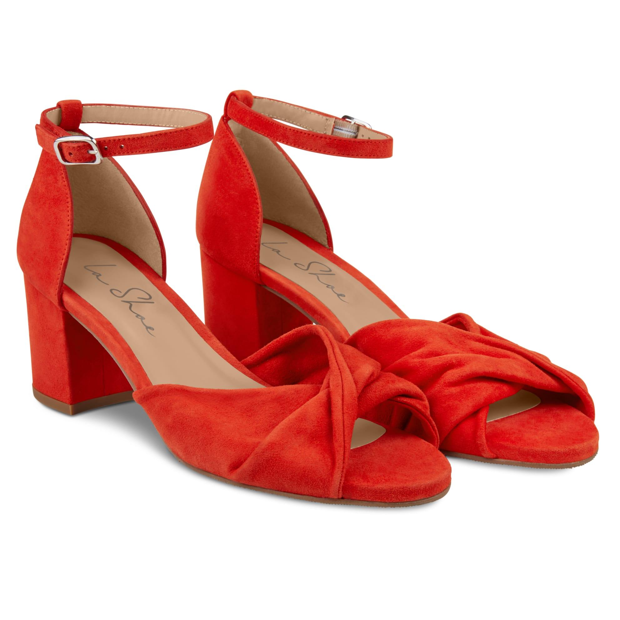 Riemchensandale getwistet Rot – modischer und bequemer Schuh für Hallux valgus und empfindliche Füße von LaShoe.de