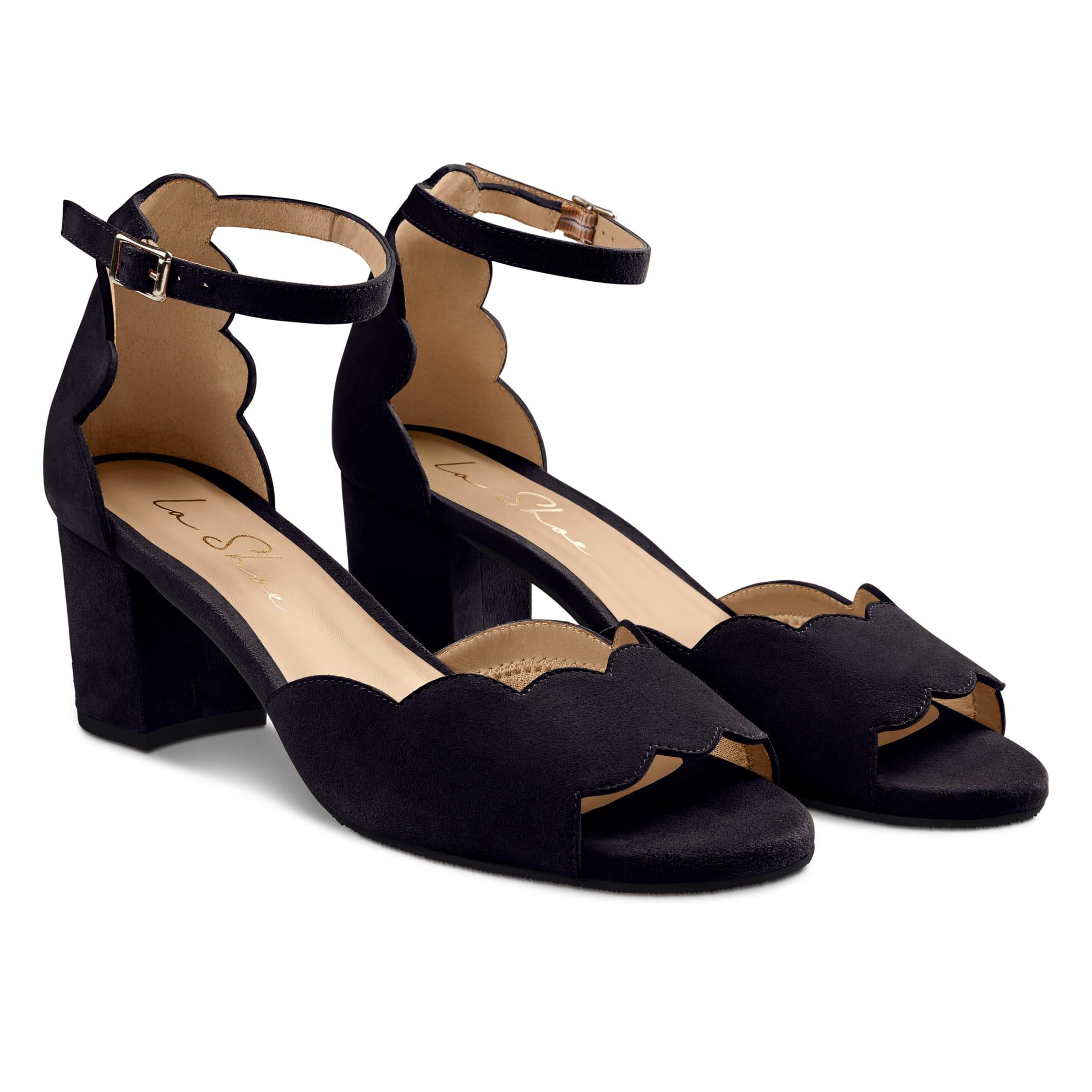 Riemchensandale Wave Schwarz – modischer und bequemer Schuh für Hallux valgus und empfindliche Füße von LaShoe.de