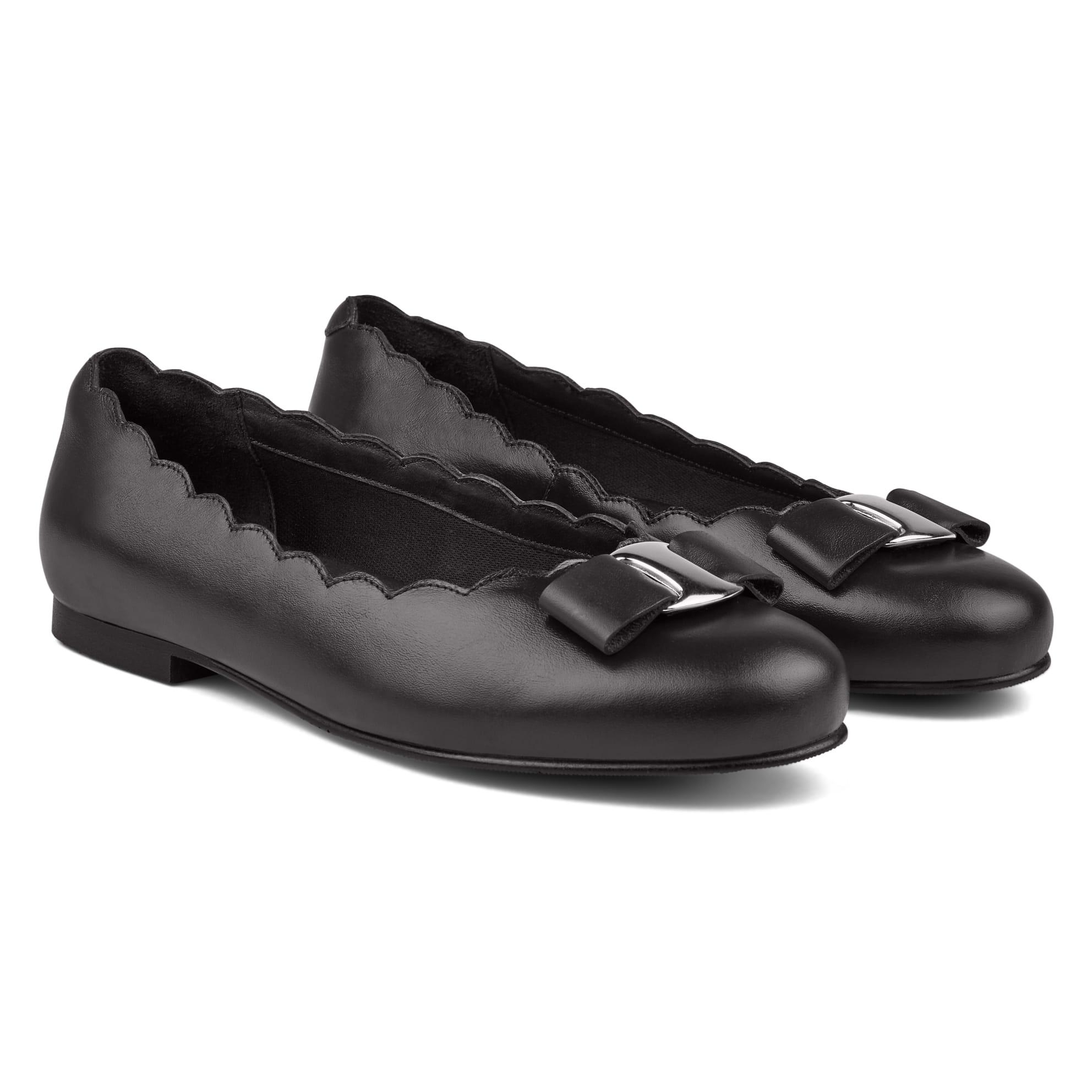 Ballerina mit Wellenkante und Schleife Schwarz – modischer und bequemer Schuh für Hallux valgus und empfindliche Füße von LaShoe.de