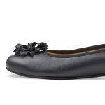 Ballerina mit Blüte Graublau – modischer und bequemer Schuh für Hallux valgus und empfindliche Füße von LaShoe.de