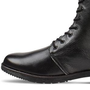 Hallux Stiefel auf Blockabsatz und weitem Schaft mit Lyralochung