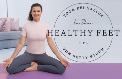 Unsere Yoga-Expertin Betty Sturm zeigt Ihnen, wie Sie zu Hause Ihren Füßen etwas Gutes tun können