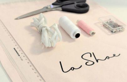 Zaubern Sie im Handumdrehen aus einem Schuhbeutel von LaShoe eine Behelfsmaske