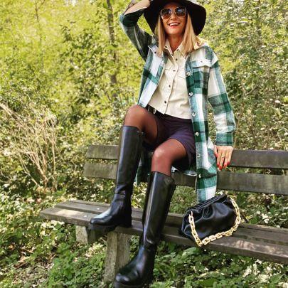 Influencerin @claudie.bp stylt die Trend-Stiefel von LaShoe