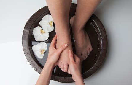 Wir zeigen Ihnen wie sie Ihren Füßen am besten Entspannung verschaffen können.