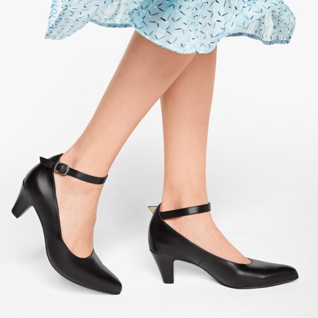 Pumps mit Fesselriemchen Glattleder Schwarz – modischer und bequemer Schuh für Hallux valgus und empfindliche Füße von LaShoe.de