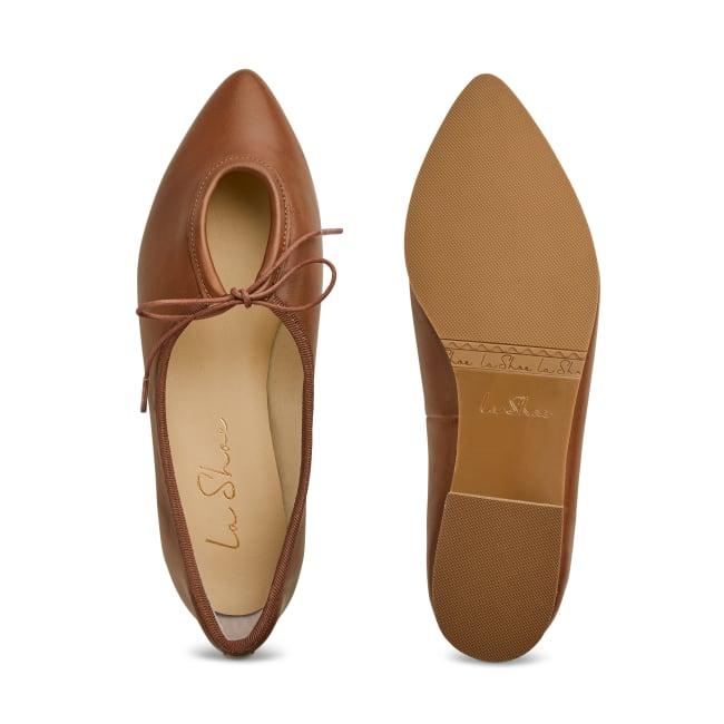 Ballerina Spitz mit Schlaufendetail Cognac – modischer und bequemer Schuh für Hallux valgus und empfindliche Füße von LaShoe.de