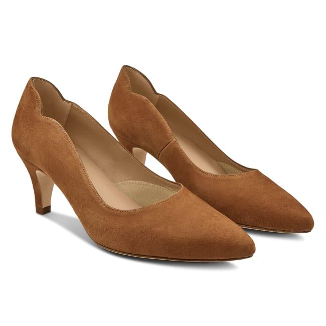 Pumps mit geschwungenem Ausschnitt Velours Cognac – modischer und bequemer Schuh für Hallux valgus und empfindliche Füße von LaShoe.de