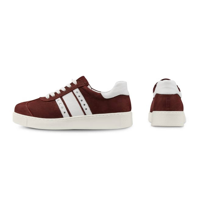 Sneaker Retro mit Flagge Bordeaux – modischer und bequemer Schuh für Hallux valgus und empfindliche Füße von LaShoe.de