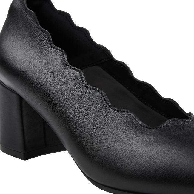 Pumps auf Blockabsatz mit Wellenkante Schwarz – modischer und bequemer Schuh für Hallux valgus und empfindliche Füße von LaShoe.de