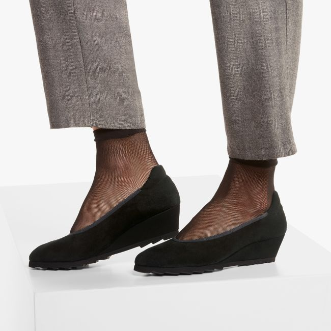 Keilabsatz-Pumps mit Zackenprofil Schwarz  – modischer und bequemer Schuh für Hallux valgus und empfindliche Füße von LaShoe.de