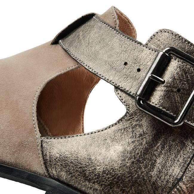 Boot mit Cut-Outs Taupe – modischer und bequemer Schuh für Hallux valgus und empfindliche Füße von LaShoe.de