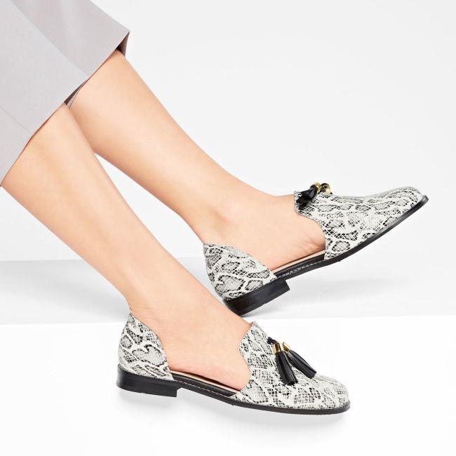 Slipper mit Tasseln Schlangenmuster – modischer und bequemer Schuh für Hallux valgus und empfindliche Füße von LaShoe.de