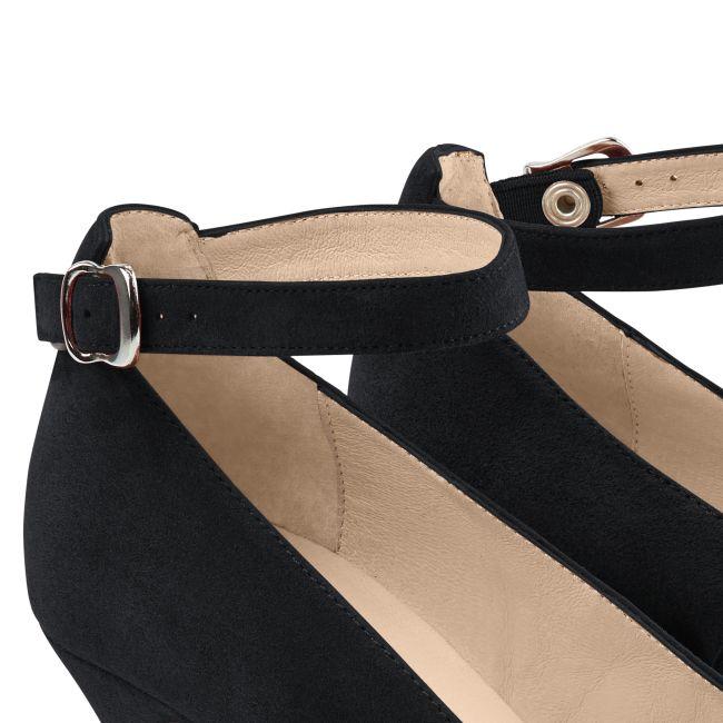 Pumps mit Fesselriemchen Schwarz – modischer und bequemer Schuh für Hallux valgus und empfindliche Füße von LaShoe.de